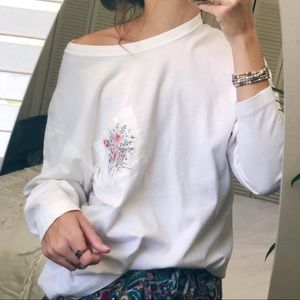 VTG floral embroidered pocket long sleeve tee